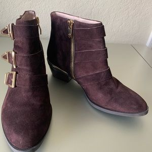 Vince Camuto Tipper Buckle Suede Bootie, size 6